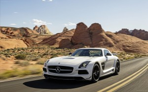Mercedes-Benz-SLS-AMG-Black-Series-2014-widescreen-23
