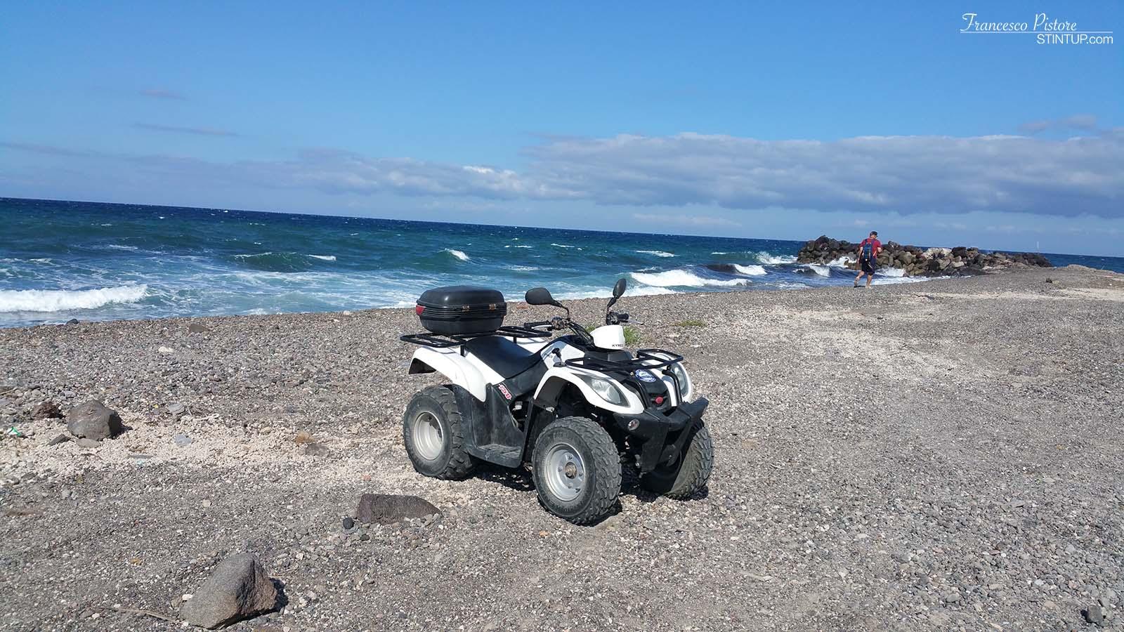 Santorini. Uno dei nostri quad. Consiglio almeno un 150cc