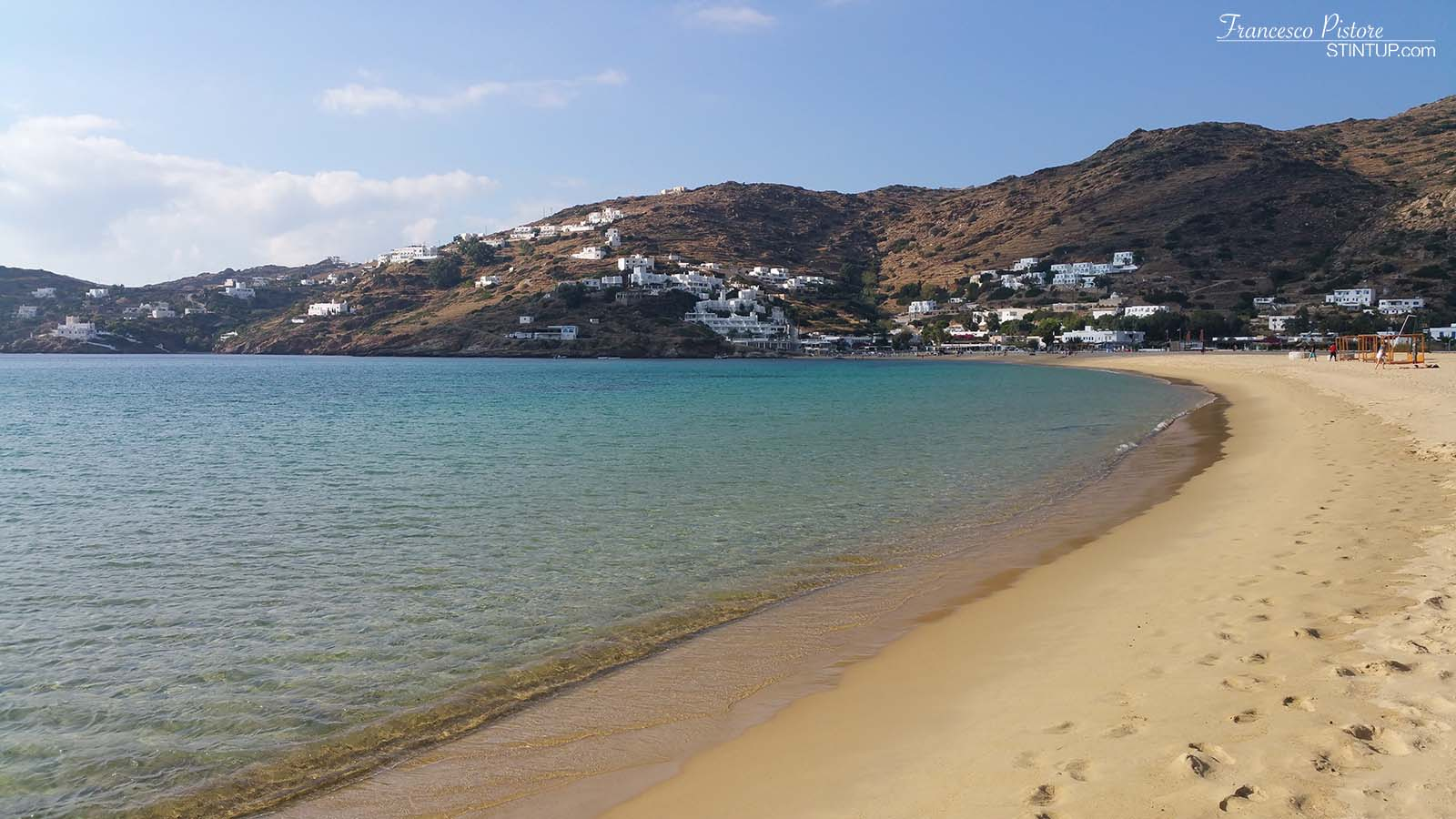 La spiaggia di Mylopotas. isola di Ios