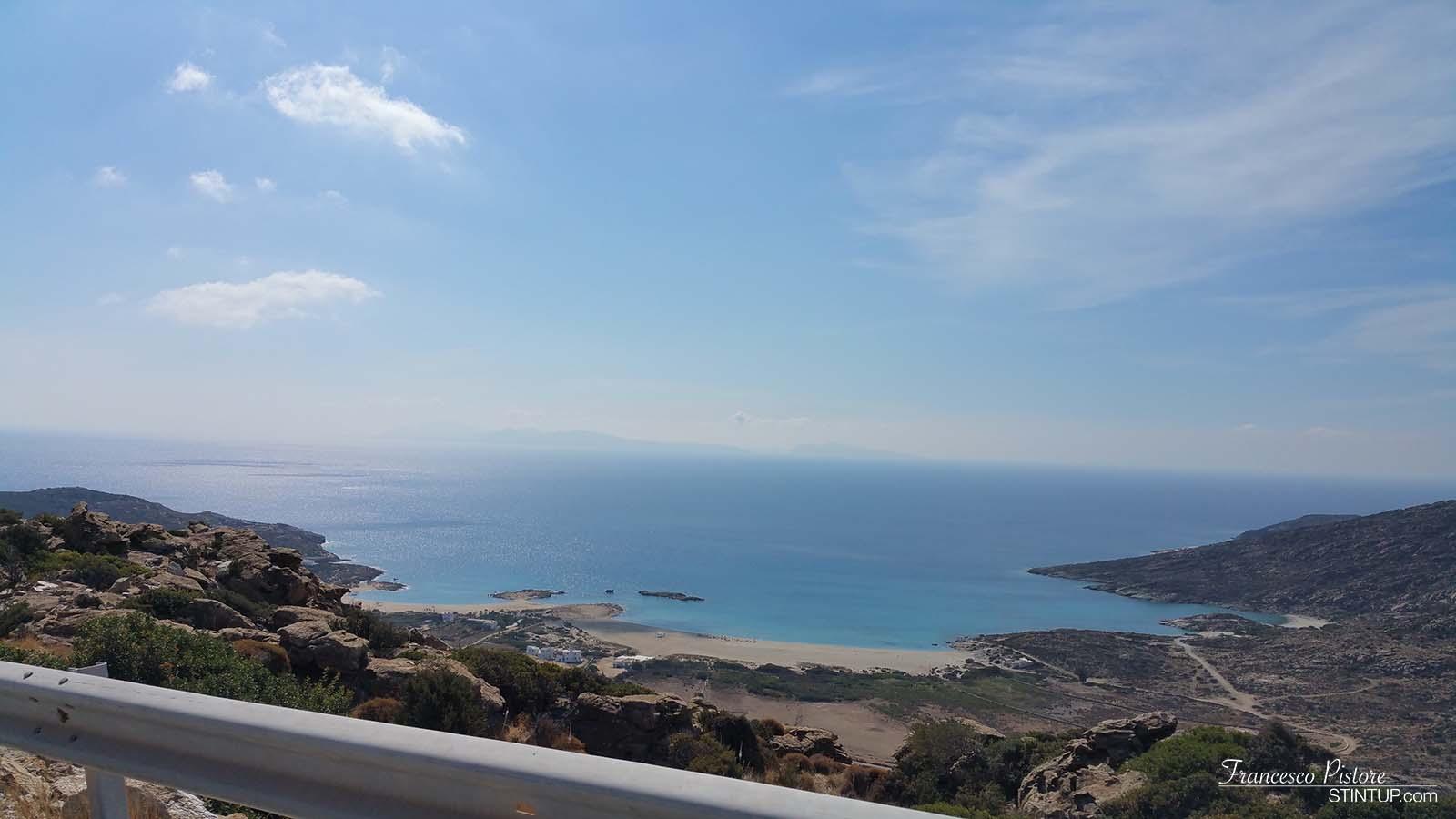 Paesaggio dalla strada verso Maganari, isola di Ios