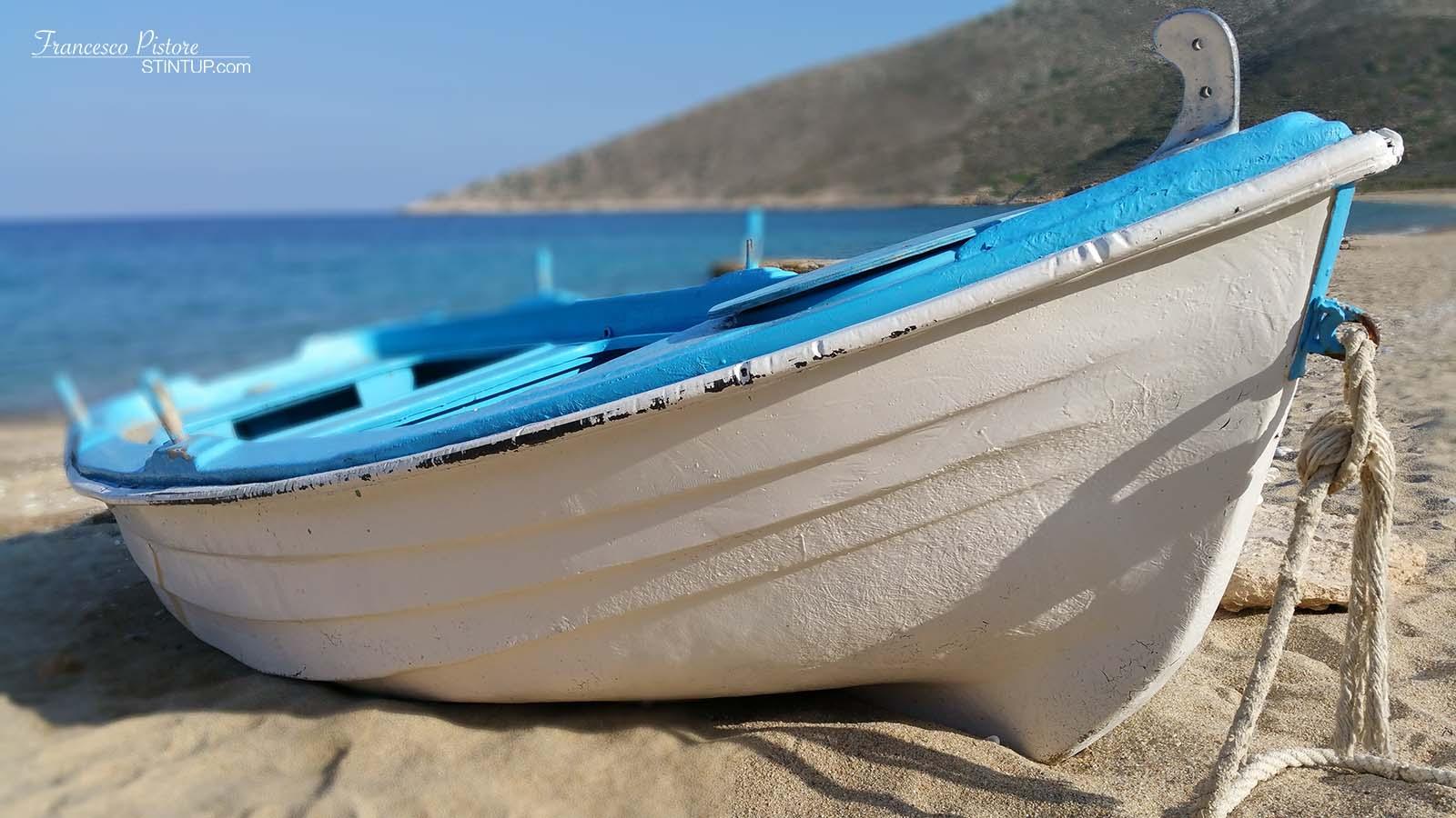 Barca sulla spiaggia di Ag. Theodoti
