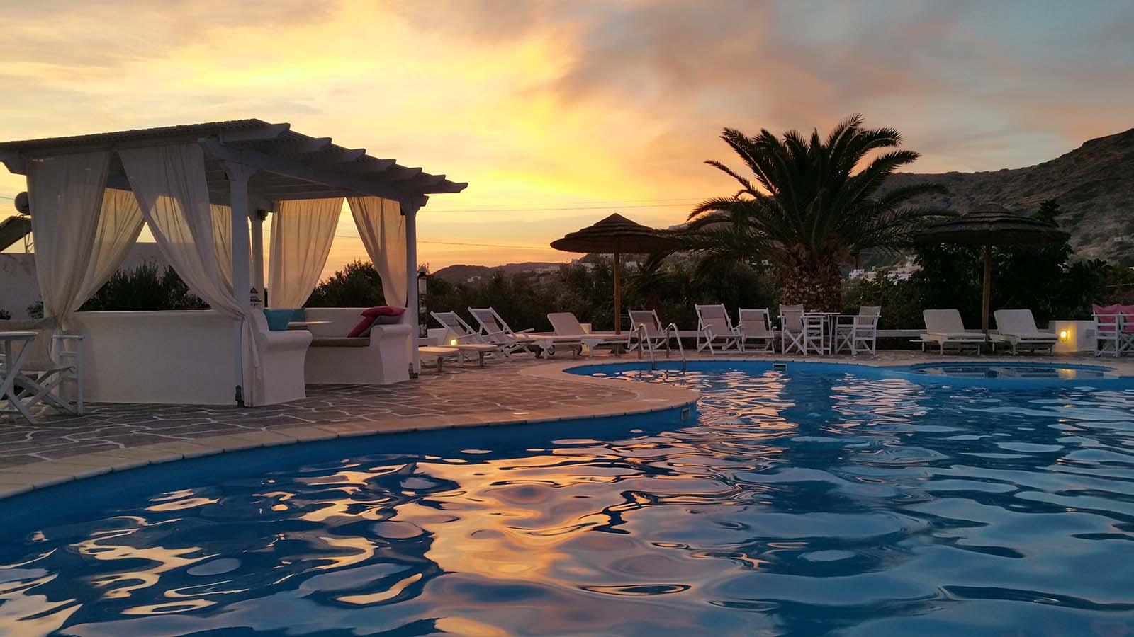 Tramonto dalla piscina dell'hotel