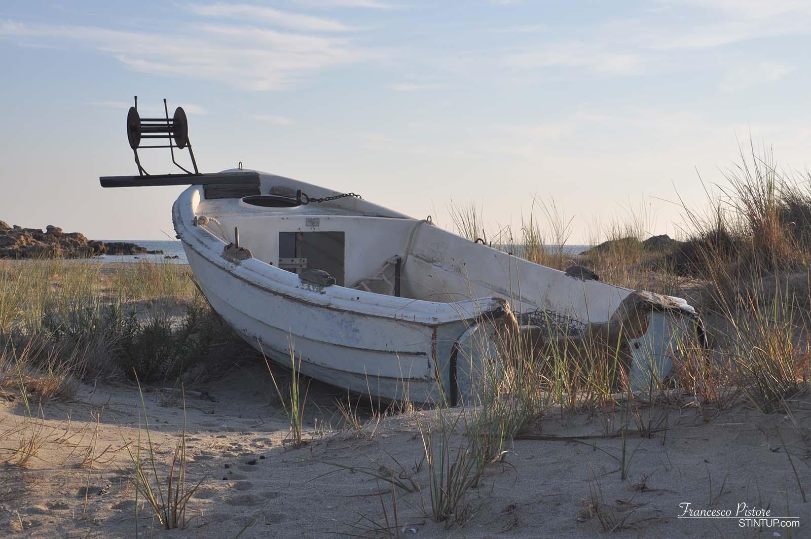 Barca dei pescatori al tramonto di Maganari