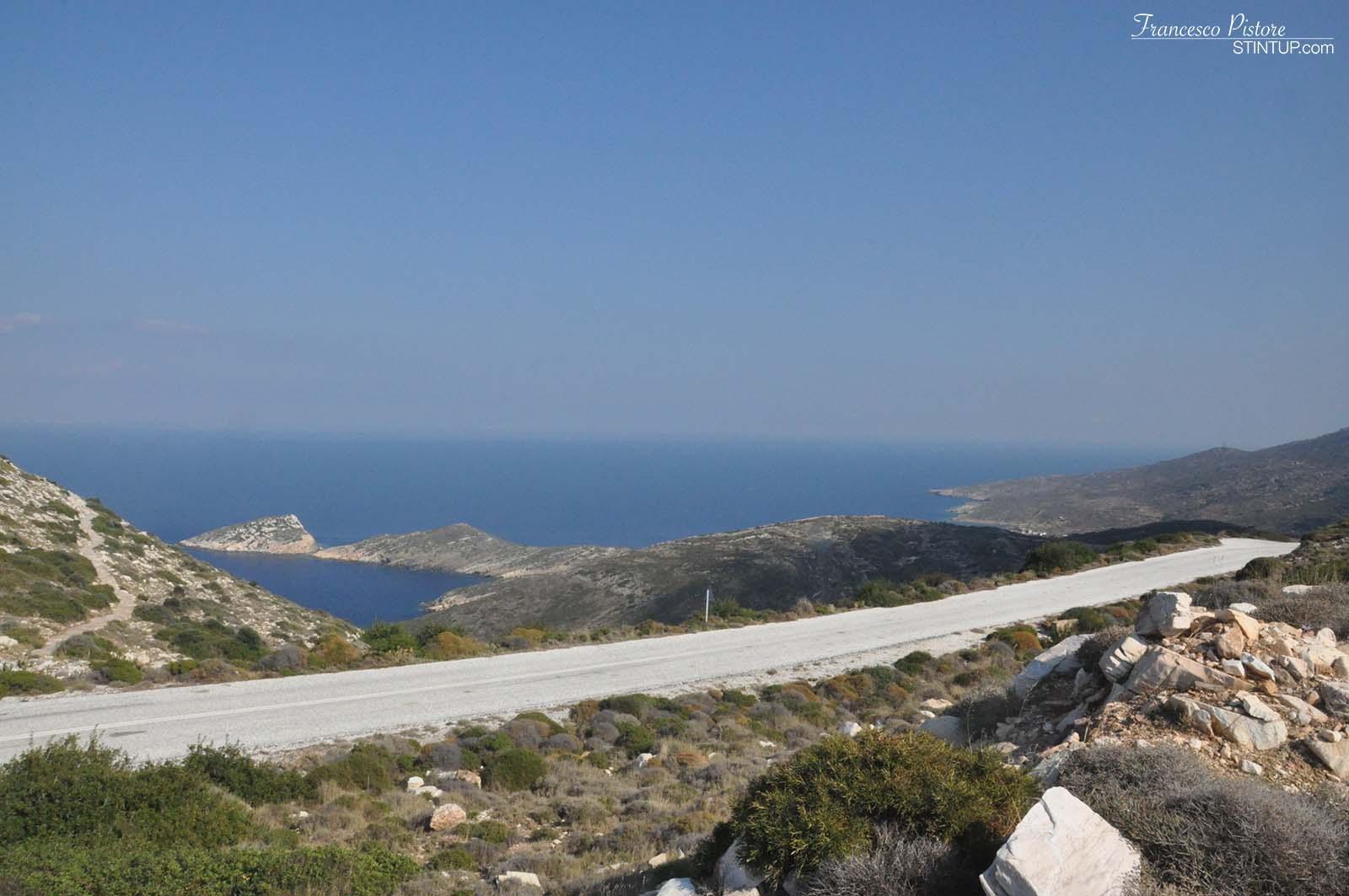Strada verso la spiaggia di Ag. Theodoti