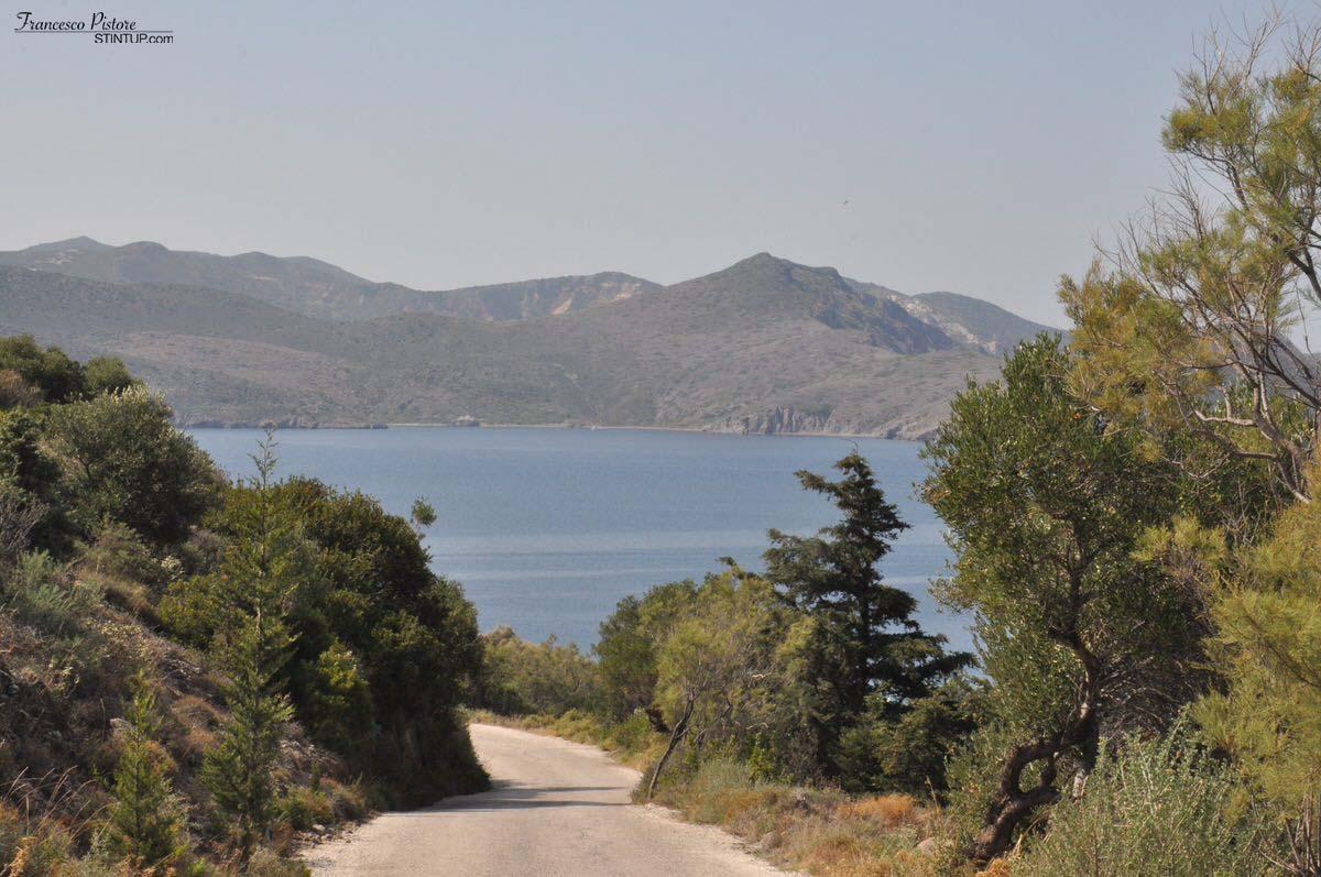 Milos. Strada verso Klima