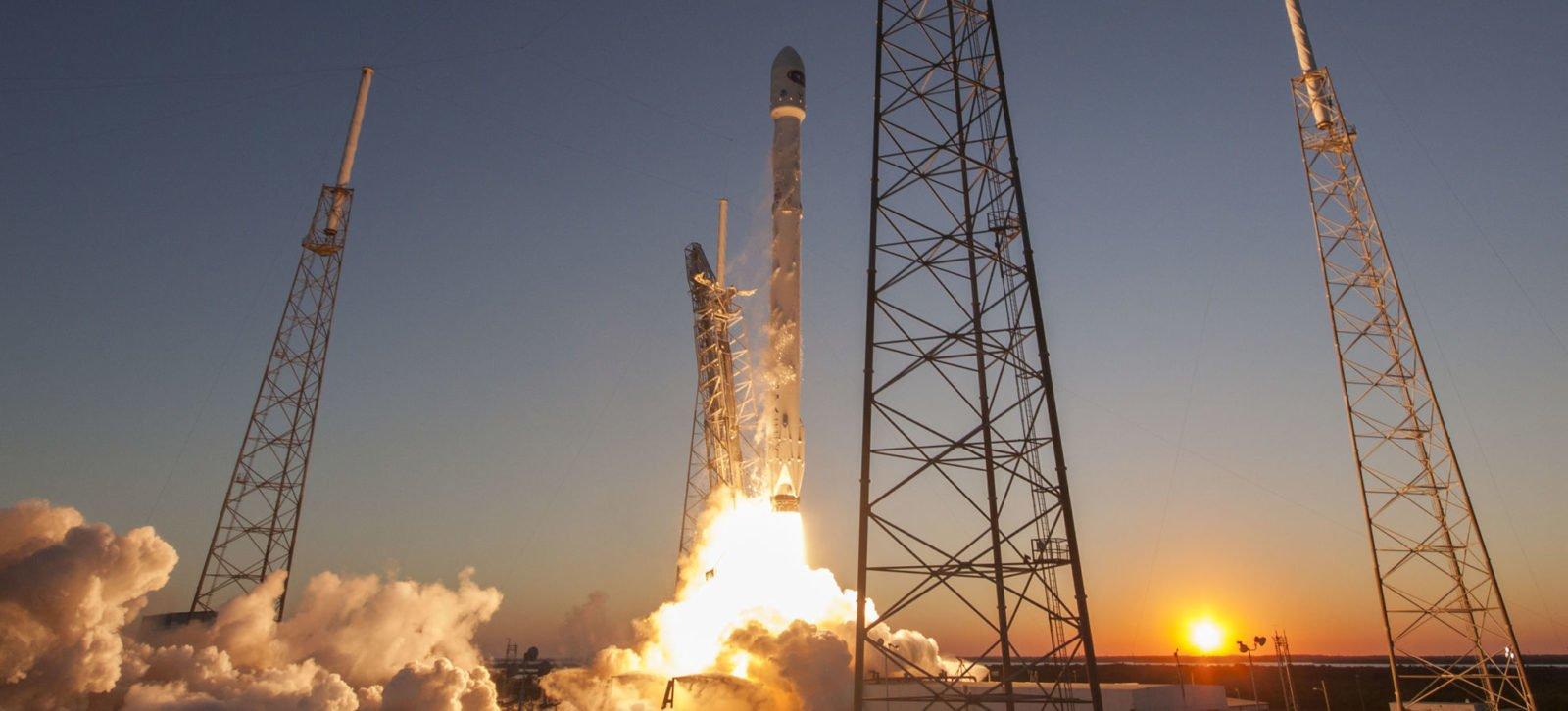 dscovr launch sunset e1487711337947