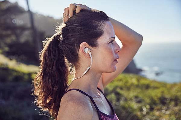 Fitbit Flyer Female Lookout