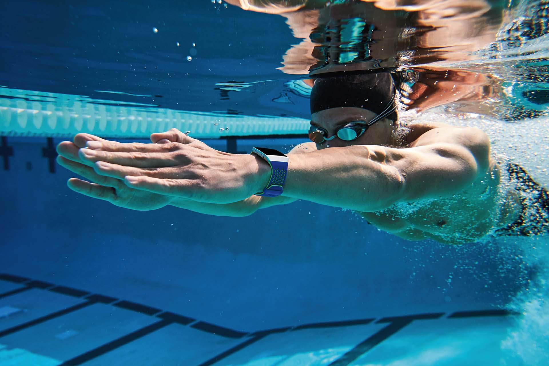 Fitbit Ionic Lifestyle Swim Underwater 0882
