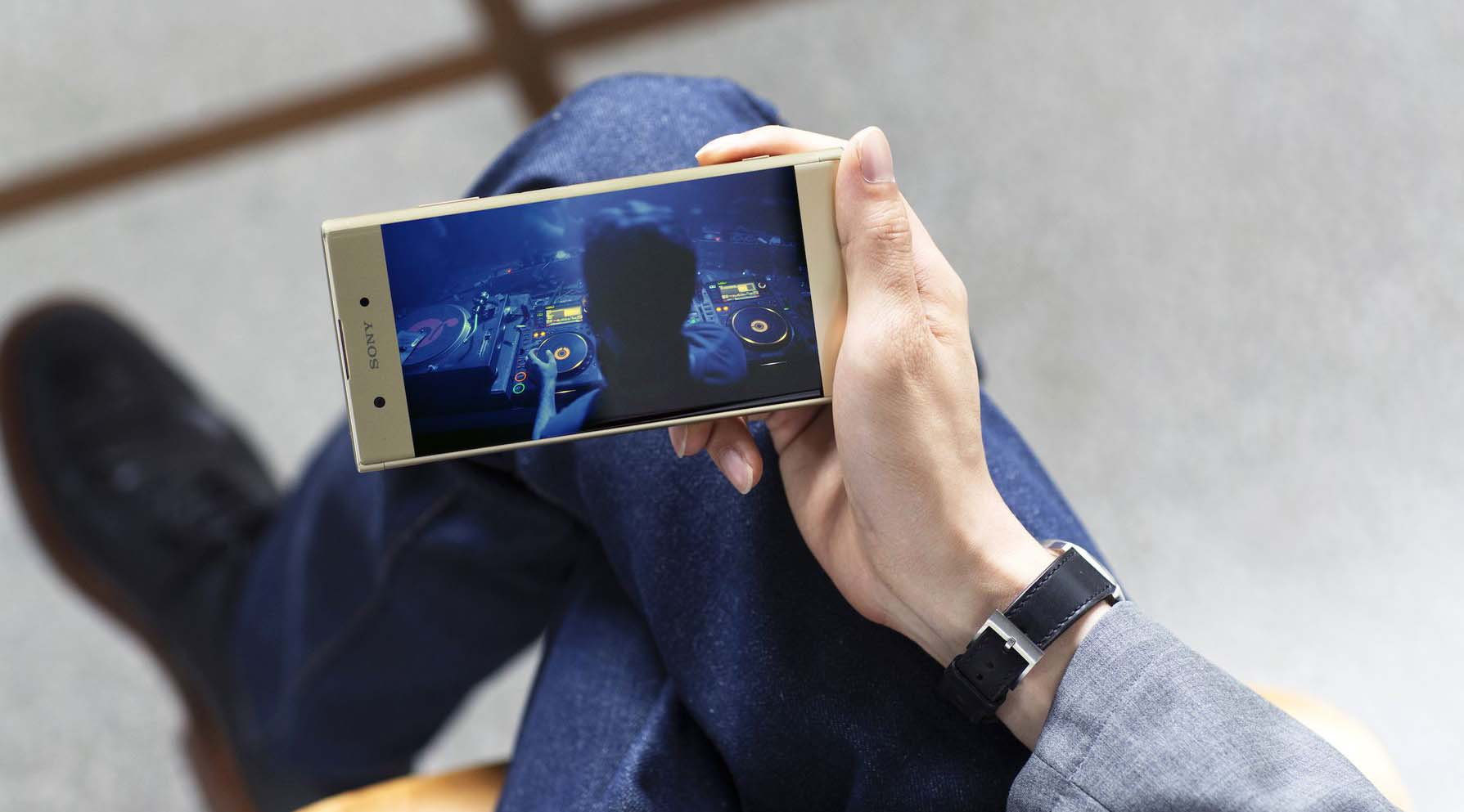 Sony Xperia XA1 Plus 6