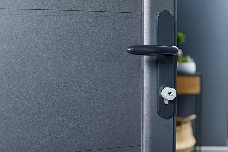 serratura smart netatmo con chiavi NFC