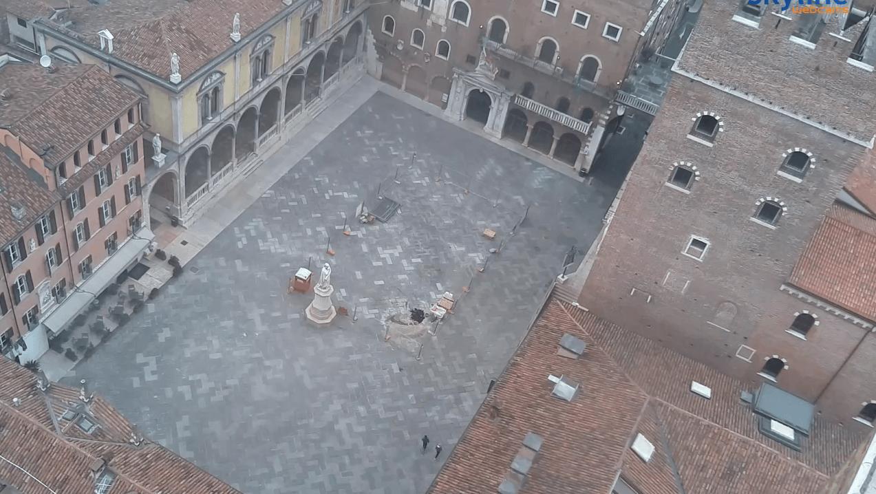 piazze deserte webcam