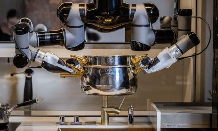 robot che cucina e lava