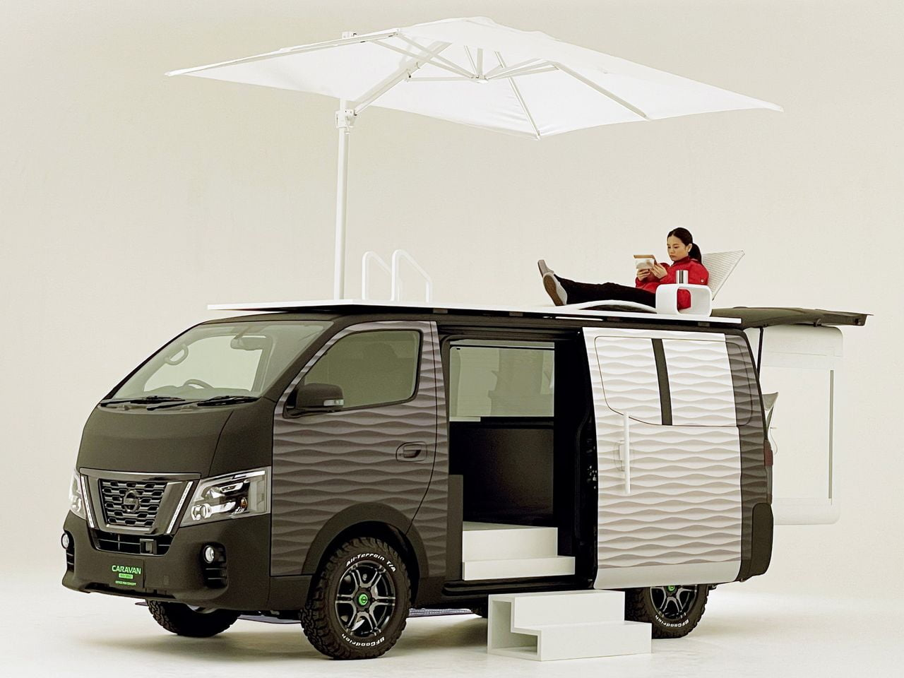 Nissan NV350 Office Pod Concept
