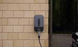 In Inghilterra sarà obbligatoria la presa per le auto elettriche nelle nuove abitazioni